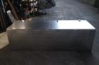 cassone porta attrezzi in acciaio inox fiorettato con aperture superiori